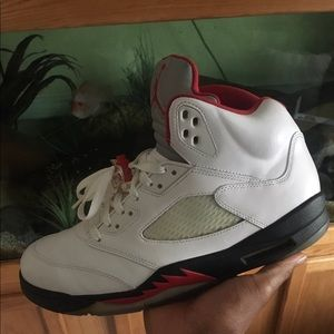Air Jordan Fire Red 5